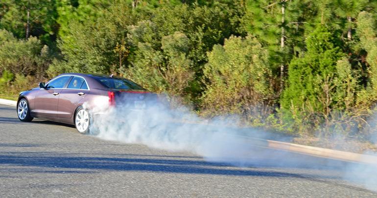2014-cadillac-ats-36l-burnout