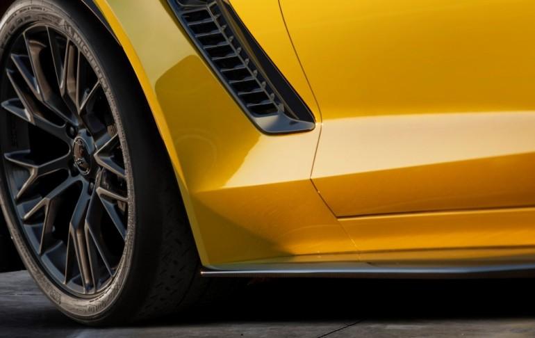 2015-chevrolet-corvette-z06-teaser