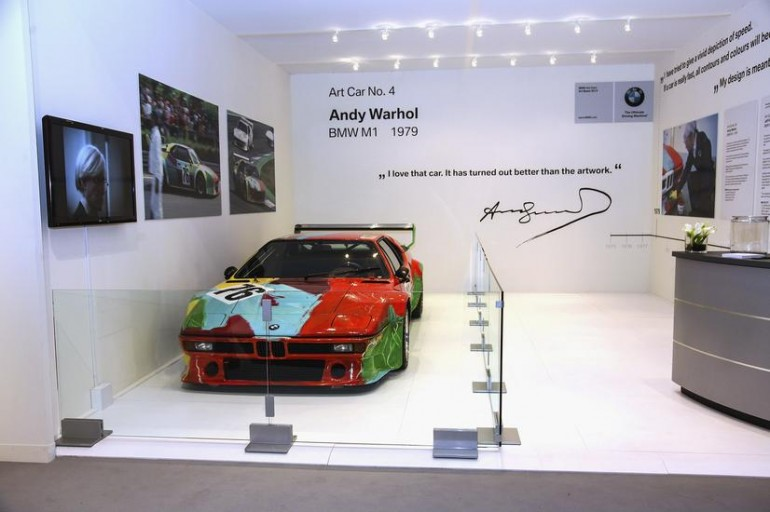 jeff-koons-us-debut-bmw-art-cars-art-basel-miami-10