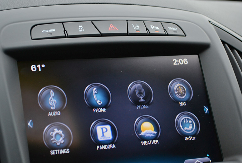 2014-buick-regal-gs-center-screen-drive-controls