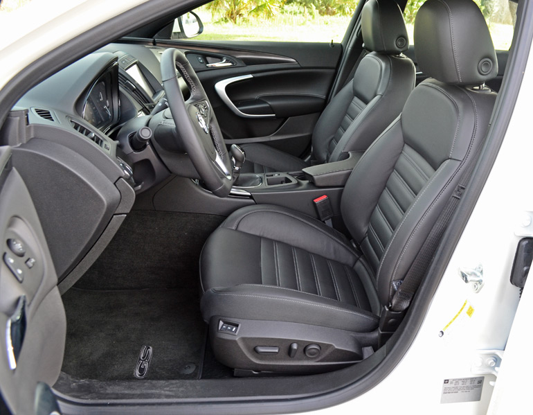 2014-buick-regal-gs-front-seats