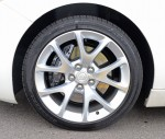2014-buick-regal-gs-wheel-tire-brembo-brakes