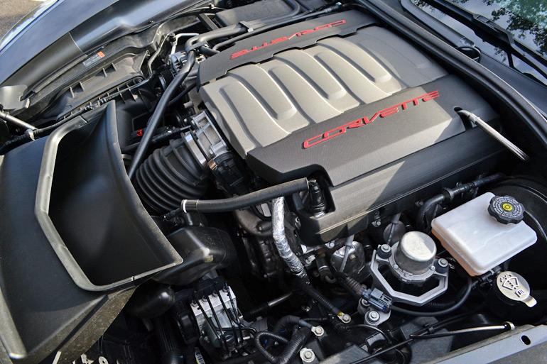 2014-chevrolet-corvette-stingray-engine