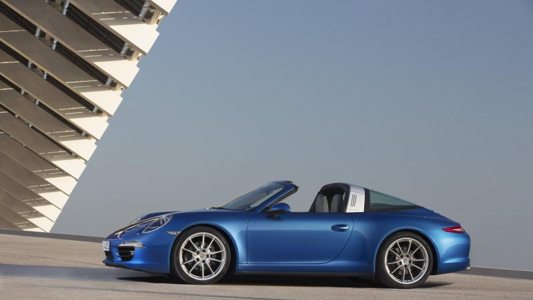 New Porsche 911 Targa Defies Most Amazing Roof at 2014 NAIAS
