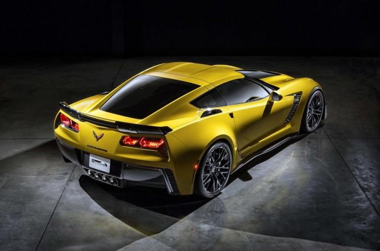 2015-Corvette-Z06-leak-2