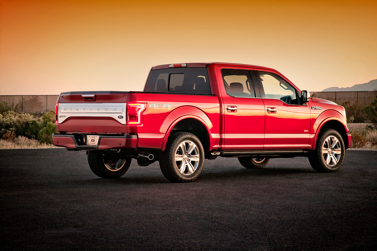 2015 ford f 150 loses 700 pounds and gets 2 7 liter ecoboost v6. Black Bedroom Furniture Sets. Home Design Ideas