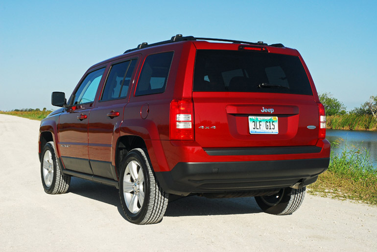 2014 Jeep Patriot Latitude Beauty Rear Done Small