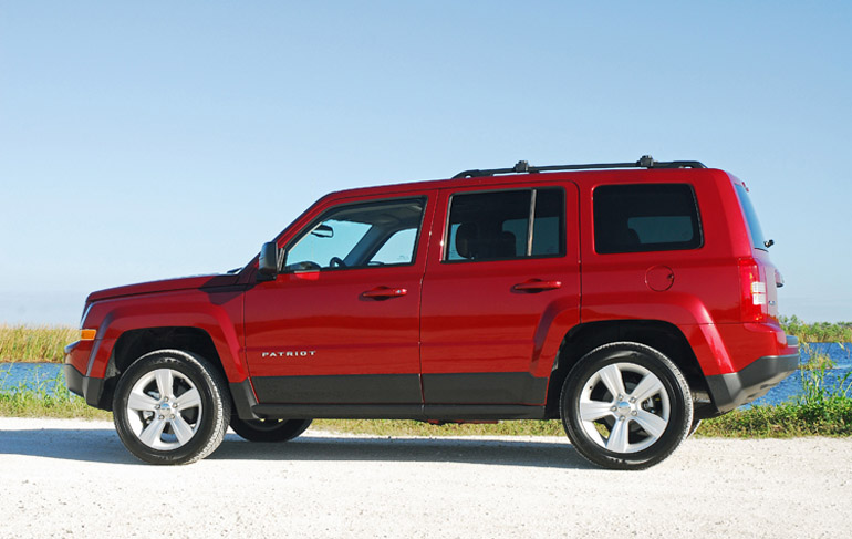 2014 Jeep Patriot Latitude Beauty Side Done Small