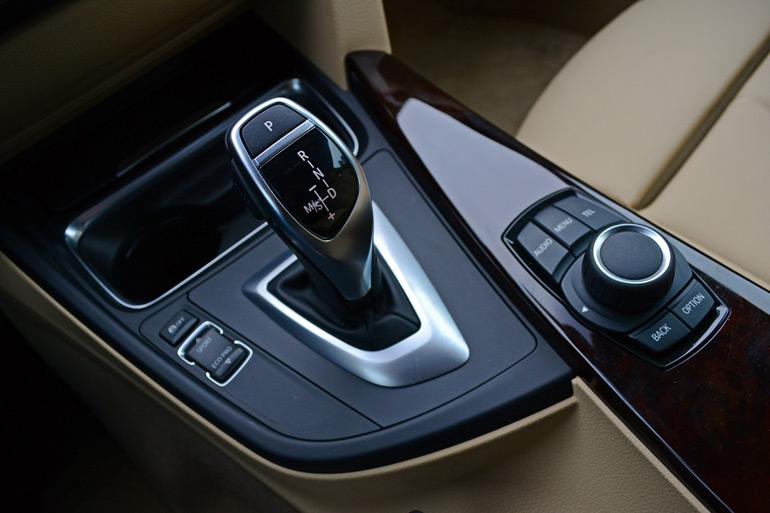 2014-bmw-428i-m-sport-shifter-controls
