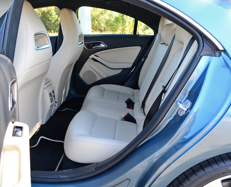 2014-mercedes-benz-cla250-rear-seats