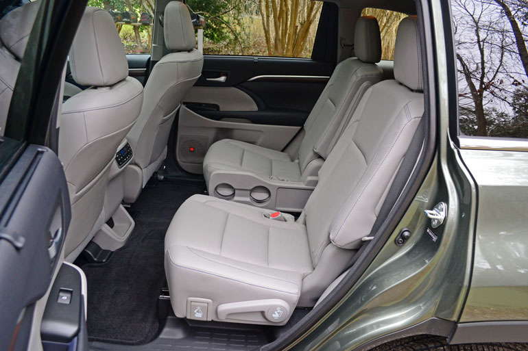 are the captains seats removable in the 2015 autos post. Black Bedroom Furniture Sets. Home Design Ideas