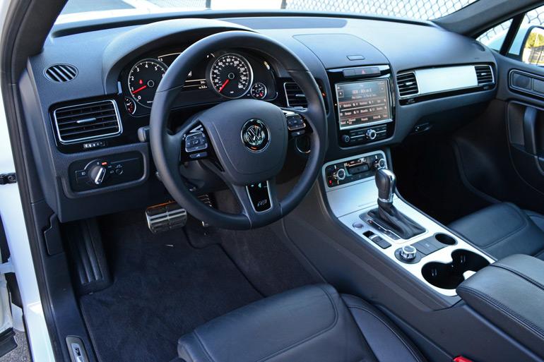 2014-volkswagen-touareg-dashboard