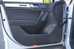 2014-volkswagen-touareg-door-trim