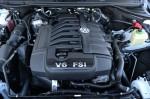 2014-volkswagen-touareg-engine