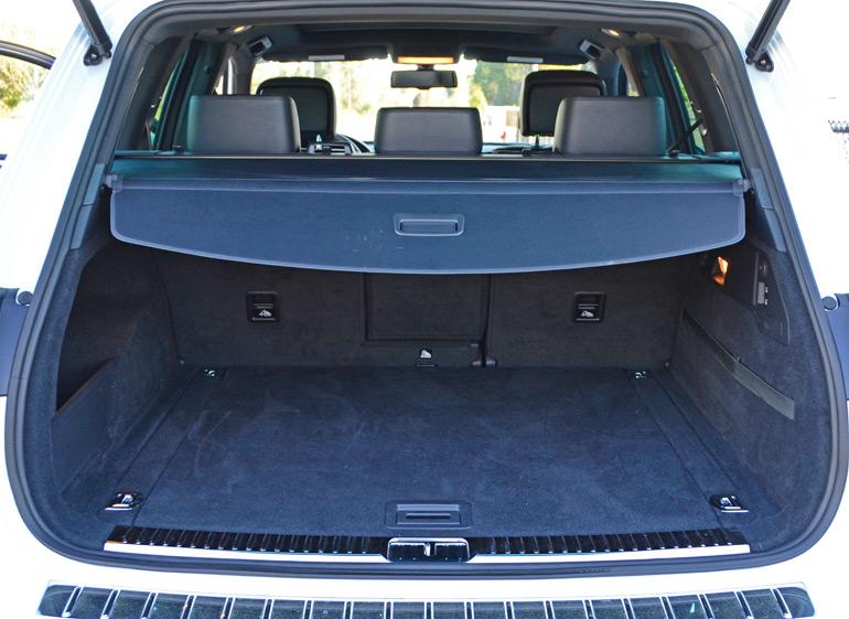 2014-volkswagen-touareg-rear-cargo-up