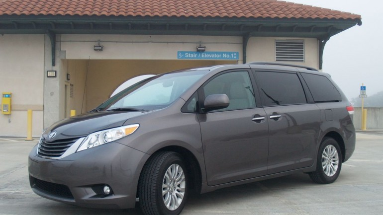 Confessions of a Former Mini-Van Hater: The Toyota Sienna XLE