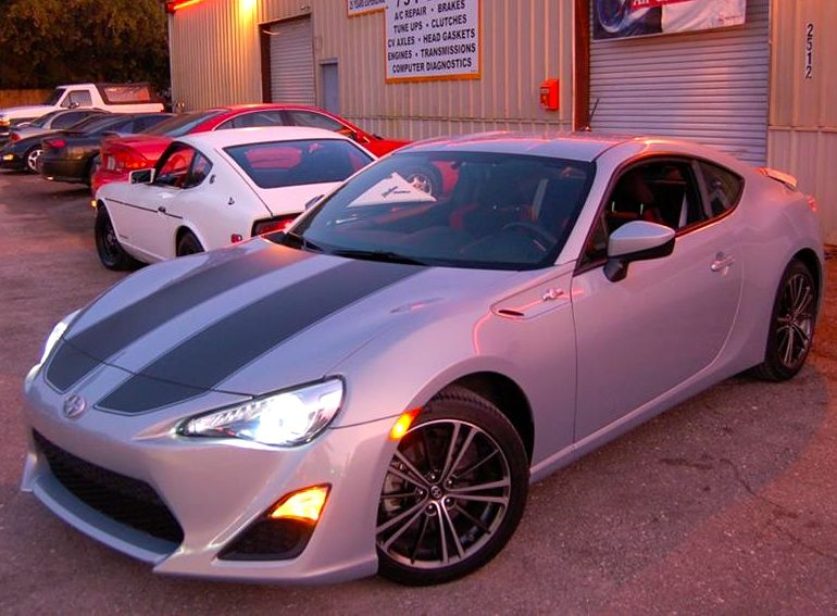 Scion FR-S and 240z