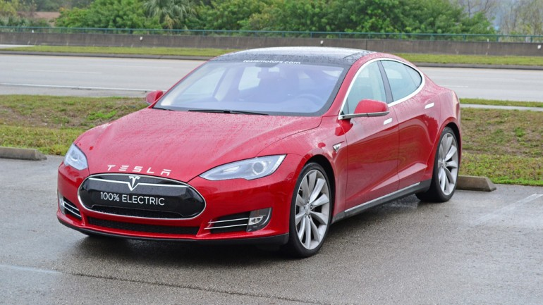 Quick Drive In A Tesla Model S Envisions the Future for Us