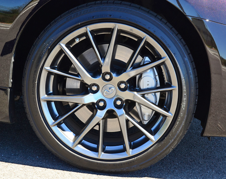 2014-infiniti-q60-ipl-wheel-tire