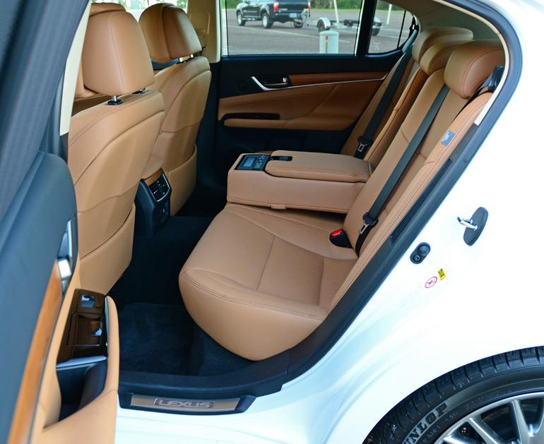 2014-lexus-gs-450h-rear-seats