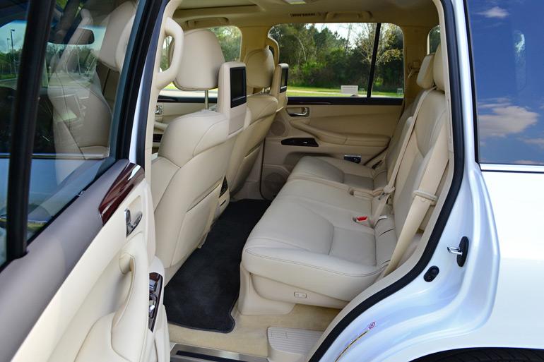 2014-lexus-lx-570-2nd-row-seats
