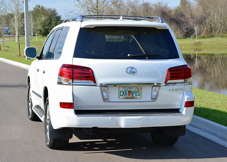 2014-lexus-lx-570-rear