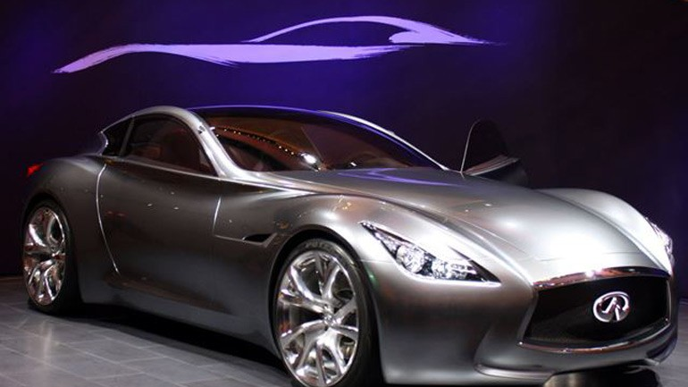 Infiniti Flagship Sedan to Get 700-Horsepower Hybrid Powertrain