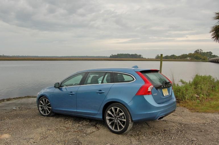 2015 Volvo V60 Side beach