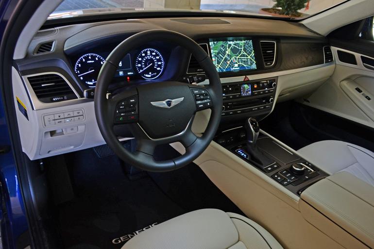 2015-hyundai-genesis-sedan-dashboard