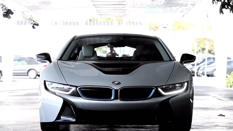 Chris Harris Drives the New BMW i8: Video
