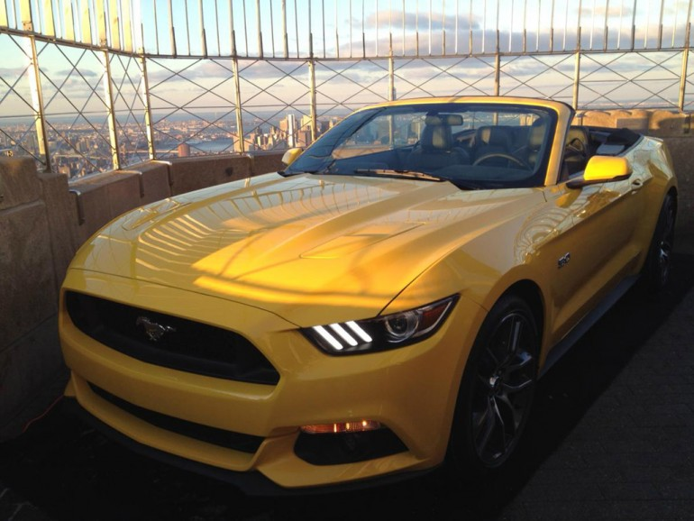 ford-mustang-top-empire-state-building