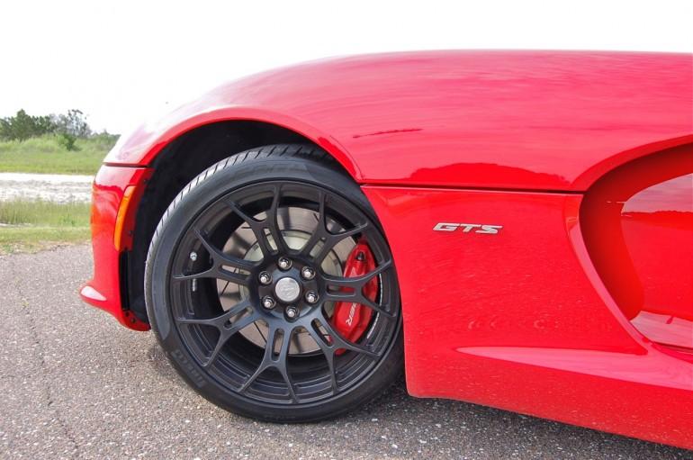 2014 SRT Viper Front Wheel