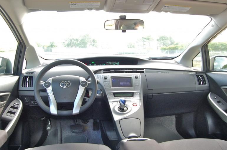2014 Toyota Prius Dash