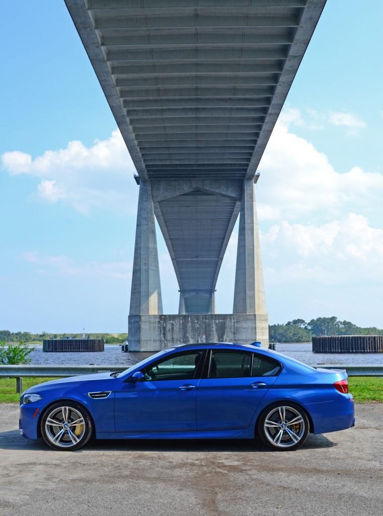 2014-bmw-m5-bridge-side