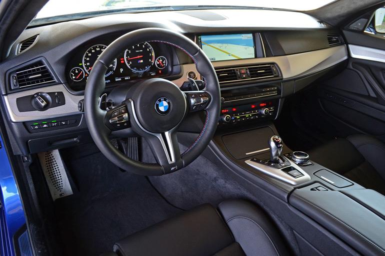 2014-bmw-m5-dashboard