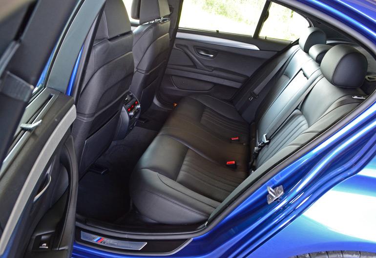 2014-bmw-m5-rear-seats