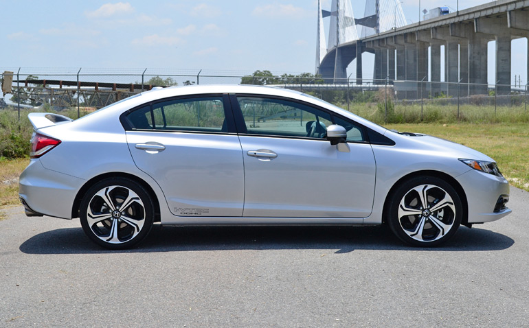 2014-honda-civic-si-sedan-side