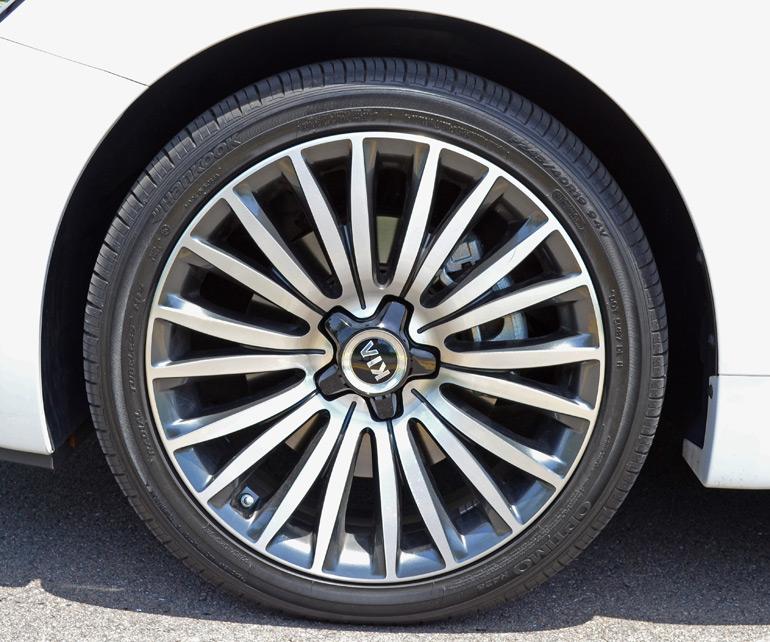 2014 Kia Cadenza Interior: 2014 Kia Cadenza Premium Review & Test Drive