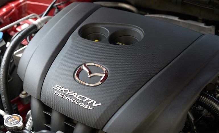 2014-mazda3-i-grand-touring-hb-manual-angle-engine