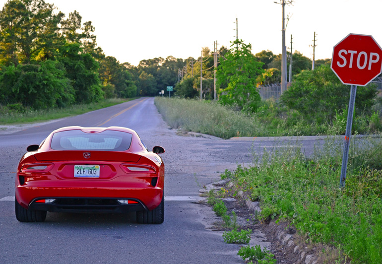 2014-srt-viper-rear-road