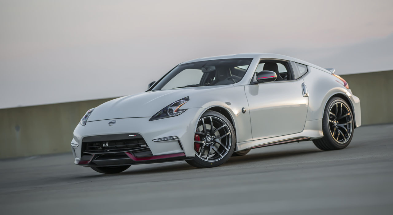 2015 nissan 370z nismo makes surprise world debut at zdayz event. Black Bedroom Furniture Sets. Home Design Ideas