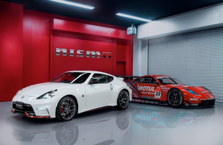 2015-nissan-370z-nismo-and-race-car