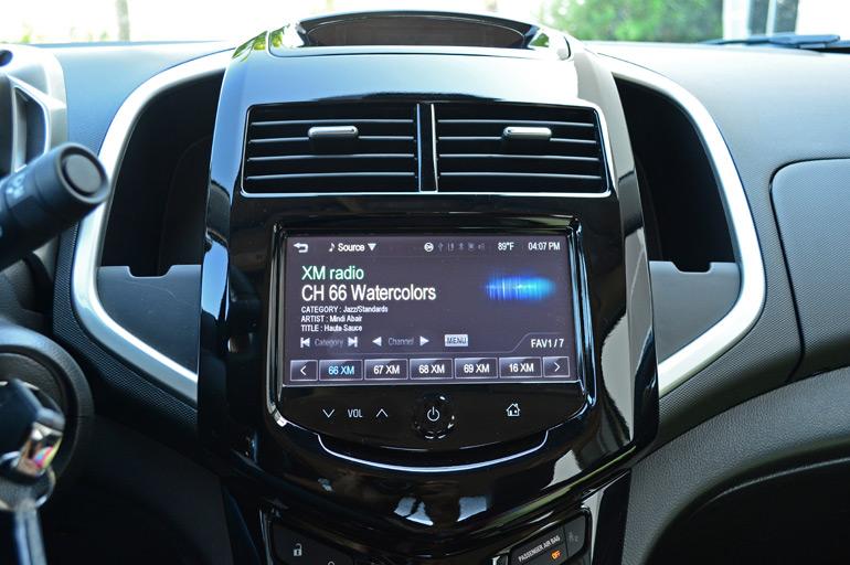 2014-chevrolet-sonic-rs-sedan-center-dash