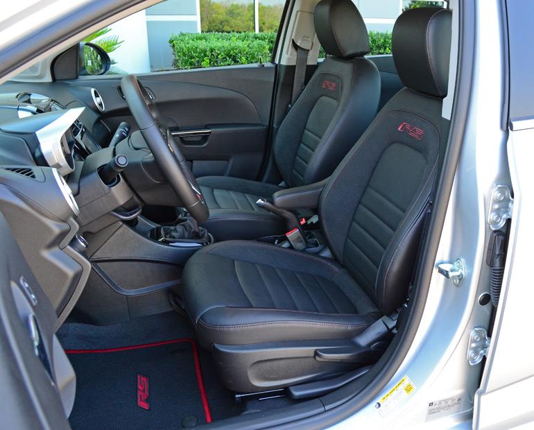 2014-chevrolet-sonic-rs-sedan-front-seats
