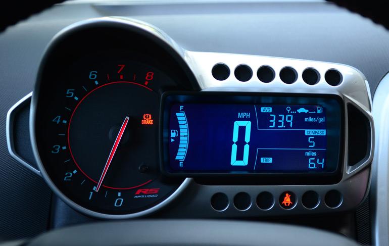2014-chevrolet-sonic-rs-sedan-gauge-cluster