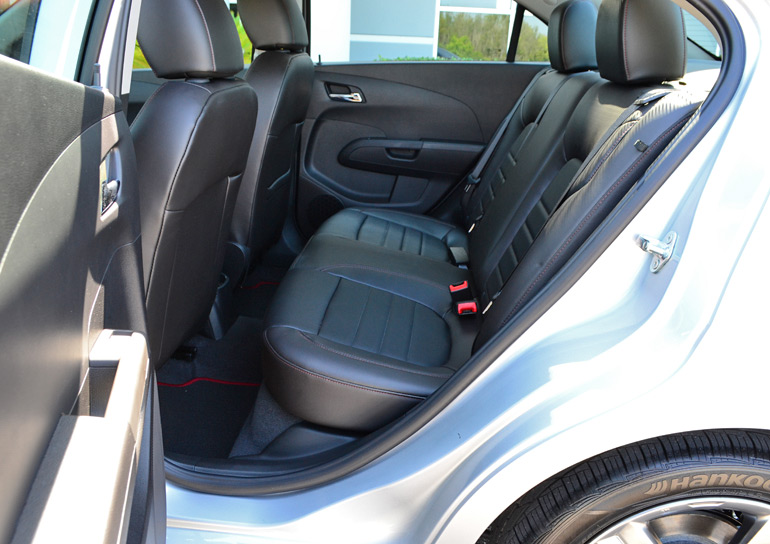 2014-chevrolet-sonic-rs-sedan-rear-seats