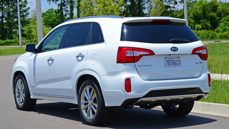 2015-kia-sorento-sxl-awd-rear-1