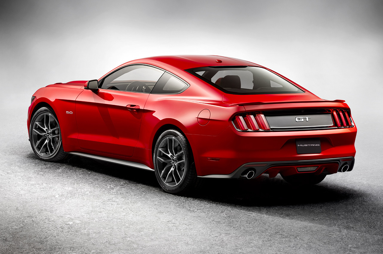 2015 ford mustang specs revealed gt gets 435 horsepower. Black Bedroom Furniture Sets. Home Design Ideas