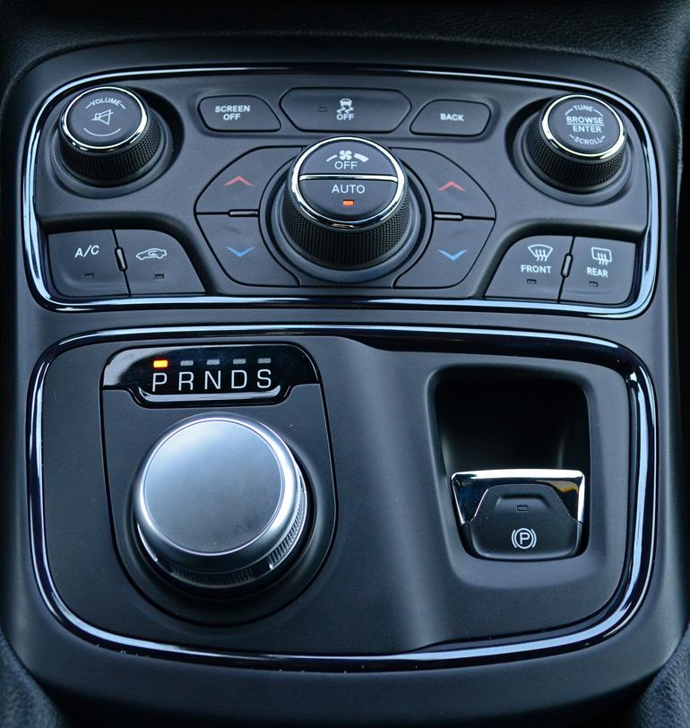 2015 Chrysler 200S AWD V6 Review & Test Drive