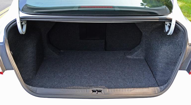 2015 chrysler 200s awd v6 review test drive. Black Bedroom Furniture Sets. Home Design Ideas